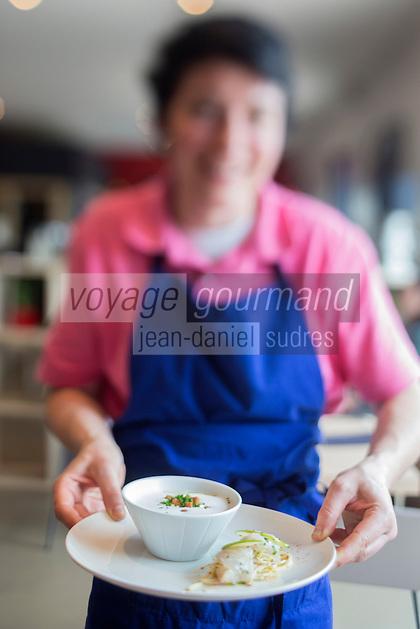 Europe/France/Bretagne/56/Morbihan/Carnac: Restaurant: Côté Cuisine - Service