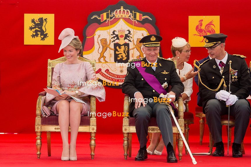 Le Roi Philippe de Belgique, la Reine Mathilde de Belgique, la princesse Elisabeth, le prince Gabriel, le prince Emmanuel et la princesse El&eacute;onore, le prince Laurent de Belgique, la Princesse Claire de Belgique, la princesse Astrid de Belgique et le prince Lorenz de Belgique assistent au d&eacute;fil&eacute; militaire, &agrave; l'occasion de la f&ecirc;te Nationale belge.<br /> Belgique, Bruxelles, 21 juillet 2017<br /> King Philippe of Belgium, Queen Mathilde of Belgium and their children Princess Eleonore, Prince Gabriel , Crown Princess Elisabeth Prince Emmanuel and Prince Laurent of Belgium, Princess Claire of Belgium, Princess Astrid of Belgium, Prince Lorenz of Belgium  pictured  during the military parade on the Belgian National Day, in Brussels.<br /> Belgium, Brussels, 21 July 2017<br /> Pic : Queen Mathilde of Belgium, King Philippe of Belgium