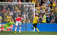 Roberto Pereyra of Watford scores a penalty during the Premier League match between Watford and Arsenal at Vicarage Road, Watford, England on 16 September 2019. Photo by Andy Rowland.
