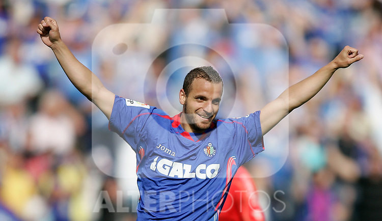 Getafe's Roberto Soldado celebrates during La Liga match. May 10, 2009. (ALTERPHOTOS/Alvaro Hernandez)