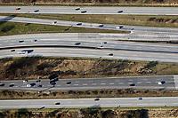 Autobahn: EUROPA, DEUTSCHLAND, HAMBURG 22.03.2017: Autobahn mit vielen Fahrspuren, Autobahnkreuz Hamburg Ost, BAB A1