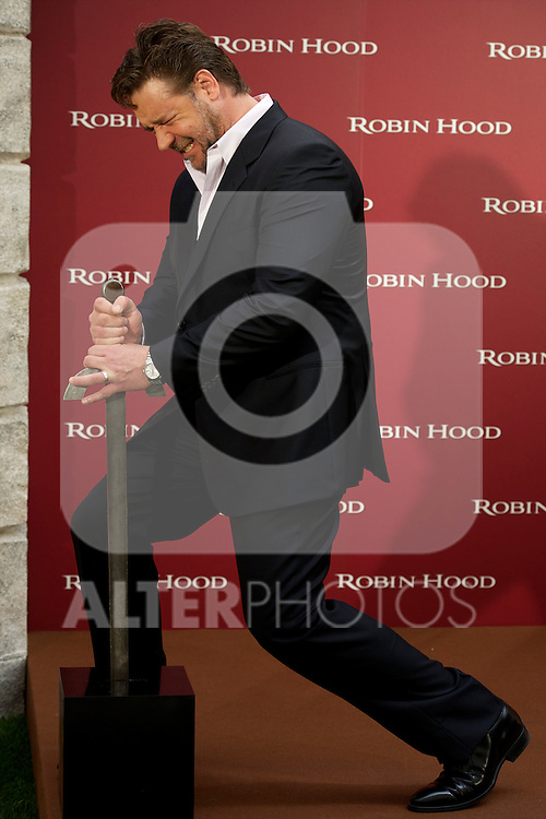 Australian actor Rusell Crowe attends Robin Hood Photocall at Villamagna Hotel in Madrid..Photo: Billy Chapel / ALFAQUI