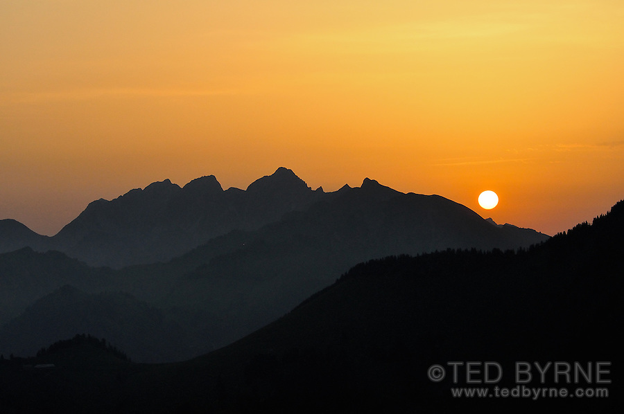 Sunrise over the Fribourg Alps