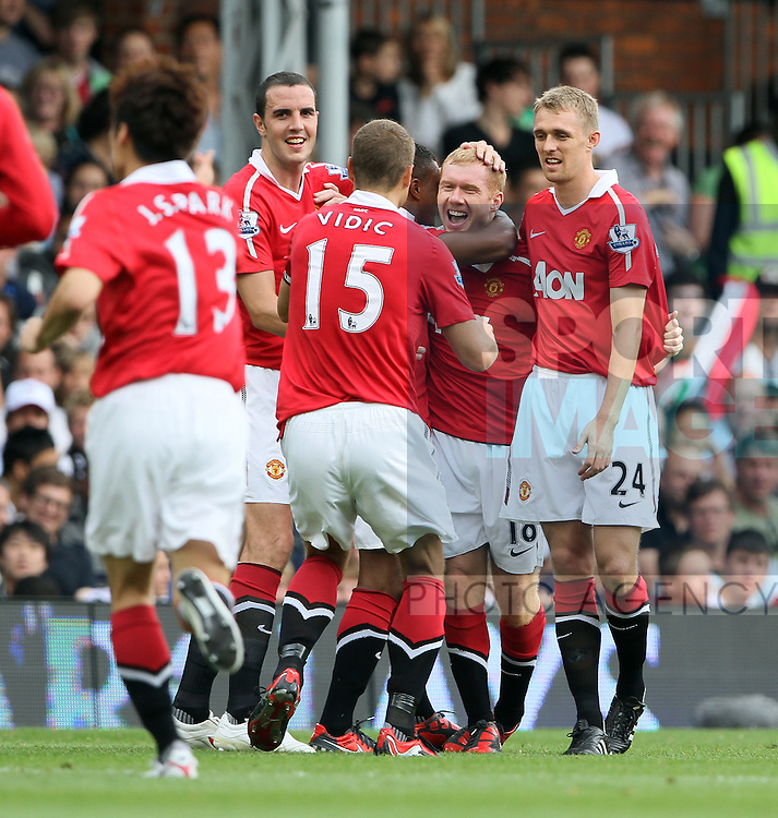 Manchester United's Paul Scholes celebrates scoring his sides opening goal
