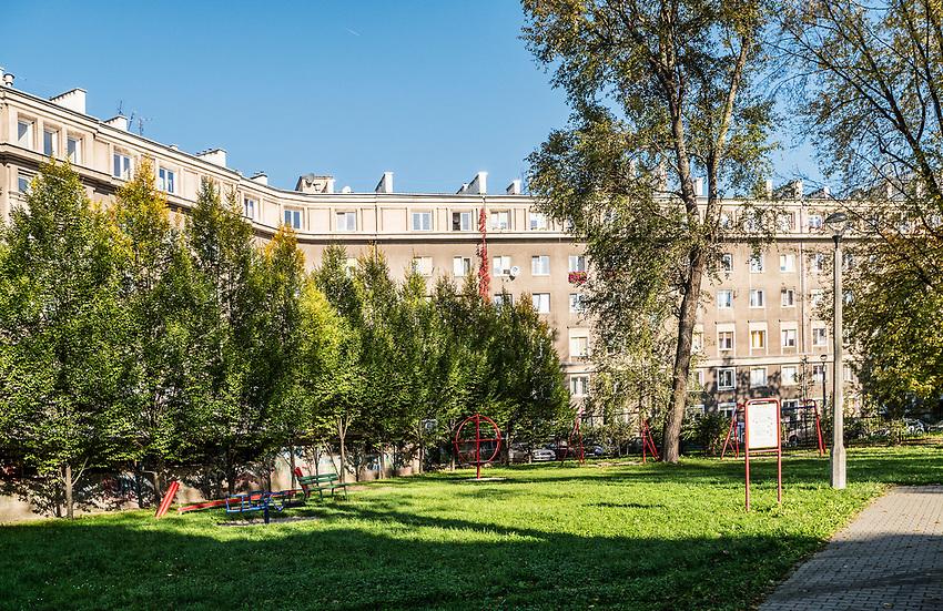 Nowa Huta, podwórko przy Aleji Jana Pawla II.