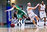S&ouml;dert&auml;lje 2014-04-15 Basket SM-Semifinal 5 S&ouml;dert&auml;lje Kings - Uppsala Basket :  <br /> S&ouml;dert&auml;lje Kings John Roberson i n&auml;rkamp med Uppsalas Mannos Nakos <br /> (Foto: Kenta J&ouml;nsson) Nyckelord:  S&ouml;dert&auml;lje Kings SBBK Uppsala Basket SM Semifinal Semi T&auml;ljehallen
