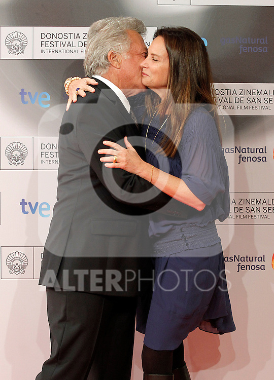 Dustin Hoffman (l) and his wifeLisa Gottsegen Hoffman attend the photocall before Special 60th Donisti Award gala during the 60th San Sebastian Donostia International Film Festival - Zinemaldia.September 29,2012.(ALTERPHOTOS/ALFAQUI/Acero)