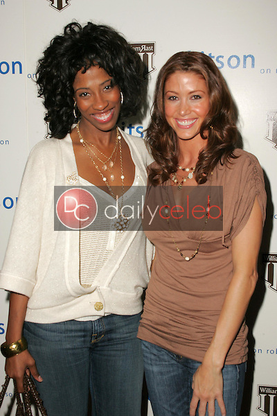 Shondrella Avery and Shannon Elizabeth<br />at the William Rast Collection debut. Kitson, Los Angeles, CA. 11-10-05<br />Dave Edwards/DailyCeleb.com 818-249-4998