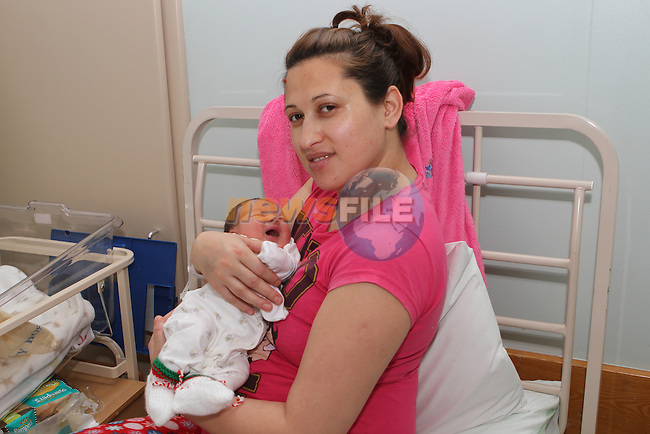 Baby Matei Bargain, Mother Anica Bargain from Romania living in Drogheda. Baby was born 6lb 3 at 10.35 am on Christmas Day...Photo NEWSFILE/Jenny Matthews..(Photo credit should read Jenny Matthews/NEWSFILE)