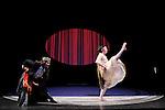 FEMME SURNATURELLE....Choregraphie : PARSON Annie B LAZAR Paul..Mise en scene : PARSON Annie B LAZAR Paul..Compagnie : Big Dance Theater..Decor : HOWARD Joanne..Lumiere : LEVASSEUR Joe..Costumes : BOTEZ BAN Oana..Video : LARSON Jeff..Avec :..CANALE Tymberly..HICKOK Molly..GIARMO Chris..DEMENT Elizabeth..MATTOCKS Aaron..SIMPSON Pete....Lieu : Theatre National de Chaillot..Cadre : ANTICODES..Ville : Paris..Le : 02 03 2011..© Laurent PAILLIER / photosdedanse.com..All rights reserved