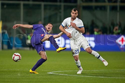 pasqual manuel  (Fiorentina)pandev goran(Inter) ; .April 10; 2010 - Football : italian championship 2009 2010;33° day; final match between Fiorentina 2-2 Inter at.Artemio Franchi Stadium ;Firenze, Italy.