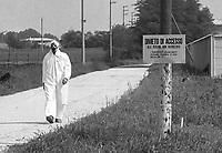 - Disastro ecologico di Seveso, fuga di diossina dallo stabilimento ICMESA (compagnia Givaudan), lavori di decontaminazione dell'area inquinata<br /> <br /> - Ecological disaster of Seveso, leak of dioxine from ICMESA plant  (Givaudan company ), works of decontamination of the polluted area