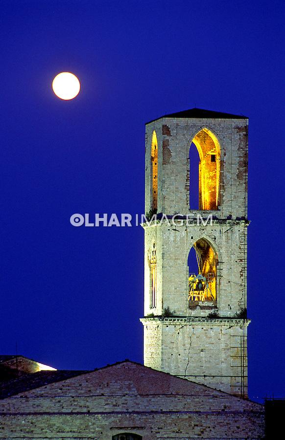 Torre de igreja em Perugia, Itália. 1998. Foto de Vinicius Romanini.