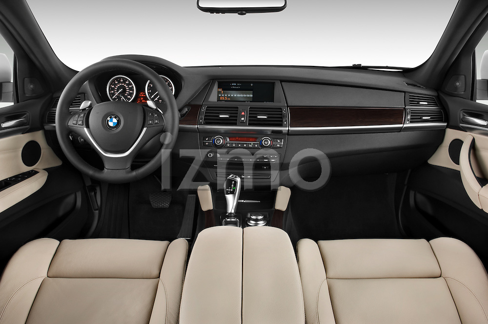 Straight dashboard view of a 2008 BMW X6 Sports Activity Vehicle.