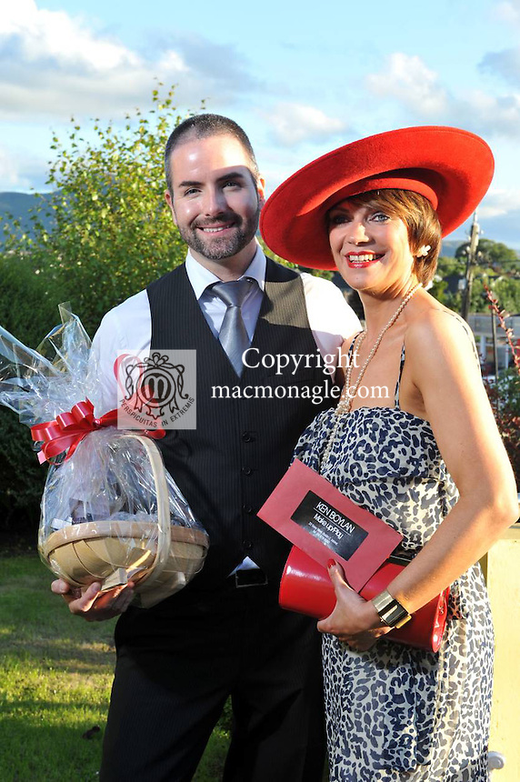Pictured at the Randles Hotel, Elegance & Decadence Après Race Party on Thursday evening were Finola Long, Killarney receiving her prize from makeup artist Ken Boylan..Picture by Don MacMonagle..PR photo from Randles Hotel
