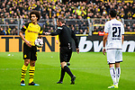 09.02.2019, Signal Iduna Park, Dortmund, GER, 1.FBL, Borussia Dortmund vs TSG 1899 Hoffenheim, DFL REGULATIONS PROHIBIT ANY USE OF PHOTOGRAPHS AS IMAGE SEQUENCES AND/OR QUASI-VIDEO<br /> <br /> im Bild | picture shows:<br /> Schiedsrichter Marco Fritz mit Axel Witsel (Borussia Dortmund #28) entscheidet auf Freistoss für den BVB, <br /> <br /> Foto © nordphoto / Rauch