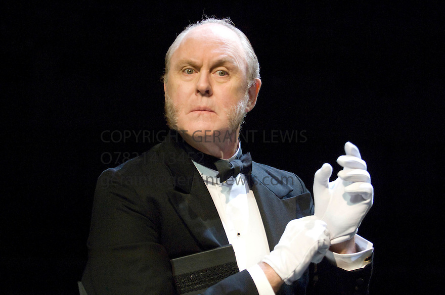 Twelfth Night by William Shakespeare, A Royal Shakespeare Company Production directed by Neil Bartlett. With John Lithgow as Malvolio. Opens at The Courtyard Theatre ,Stratford Upon Avon on 5/9/07. CREDIT Geraint Lewis