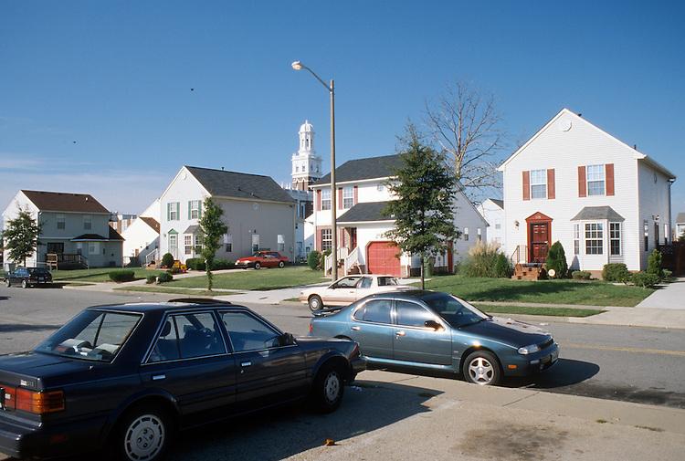1995 November 07..Redevelopment.Huntersville 2..Attucks Square West.Mission Street..NEG#.NRHA#..