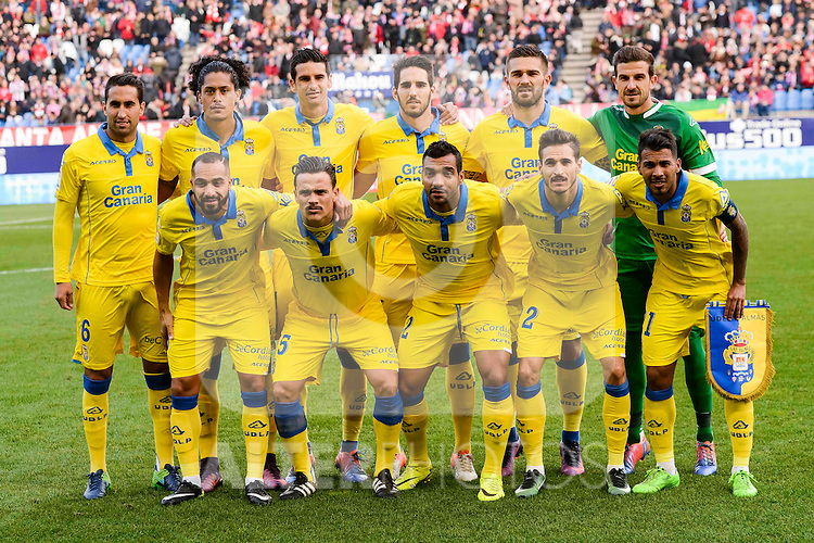 UD Las Palmas players during La Liga match between Atletico de Madrid and UD Las Palmas at Vicente Calderon Stadium in Madrid, Spain. December 17, 2016. (ALTERPHOTOS/BorjaB.Hojas)