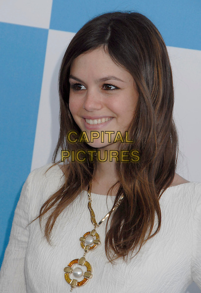 RACHEL BILSON.The 2007 Independent Spirit Awards held at the Santa Monica Pier, Santa Monica, California, USA..February 24th, 2007.headshot portrait gold necklace jewellery jewelry .CAP/ADM/GB.©Gary Boas/AdMedia/Capital Pictures