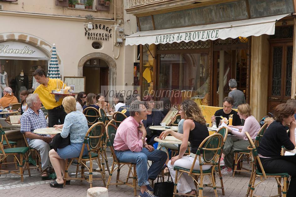 Europe/France/Provence-Alpes-Cote d'Azur/Alpes-Maritimes/Antibes: Terrasse de café
