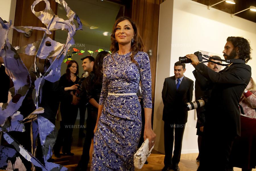 Paris.France. Hôtel Salomon de Rotschild. Vernissage de l'exposition d'Art Contemporain d'Azerbaïdjan. Mme Mehriban Aliyeva. Première Dame d'Azerbaïdjan.