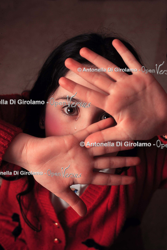 Disagio sociale.Social disease.Abusi sui minori. Child abuse.......