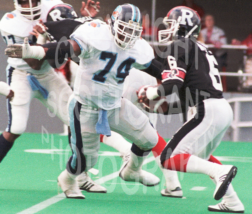 James Curry Toronto Argonauts 1986. Copyright photograph Scott Grant