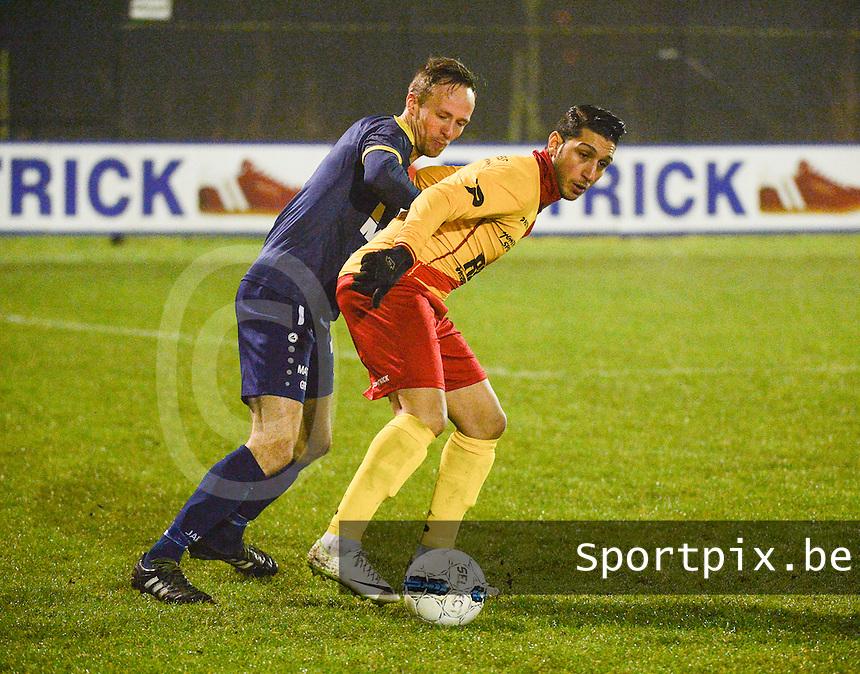 Eendracht Wervik - FC Lebbeke :<br /> Monssef Znagui (R) schermt de bal af voor de opzittende Enzo Neve (L)<br /> Foto VDB / Bart Vandenbroucke