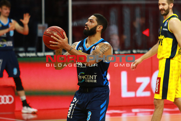 3 Peyton Siva Alba Berlin <br />