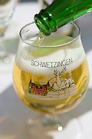 Europe/Allemagne/Bade-Würrtemberg/ env d'Heidelberg /Schwetzingen: bière de Schwetzingen à la terrasse de la brasserie du Chateau