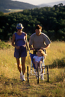 FAMILY JOGS ON TRAIL