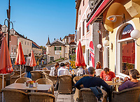 Oesterreich, Niederoesterreich, Kulturlandschaft Wachau - UNESCO Weltkultur- und Naturerbe, Melk: Altstadt,  Rathausplatz, Café | Austria, Lower Austria, Wachau Cultural Landscape - UNESCO World's Cultural and Natural Heritage, Melk: Old Town, Townhall Square, café