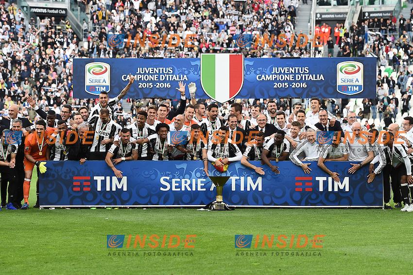 Festeggiamenti vittoria della Juventus celebration consegna della coppa, delivery of the cup, <br /> Torino 14-05-2016 Stadio Olimpico Football Calcio Serie A 2015/2016 Juventus-Sampdoria. Foto Matteo Gribaudi / Image Sport / Insidefoto