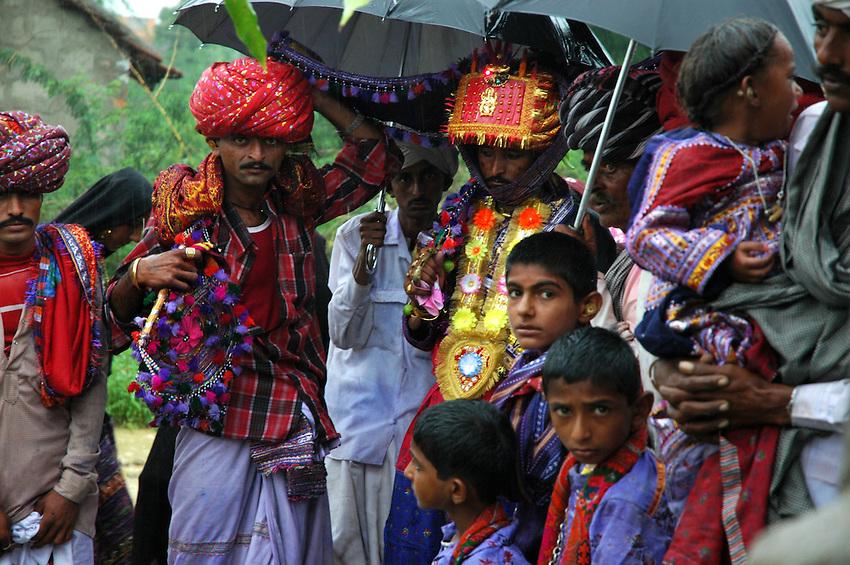 Maldhari groom and his attendents..Michael Benanav - mbenanav@gmail.com