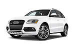 Stock pictures of low aggressive front three quarter view of 2015 Audi SQ5 quattro tiptronic Premium 5 Door SUV