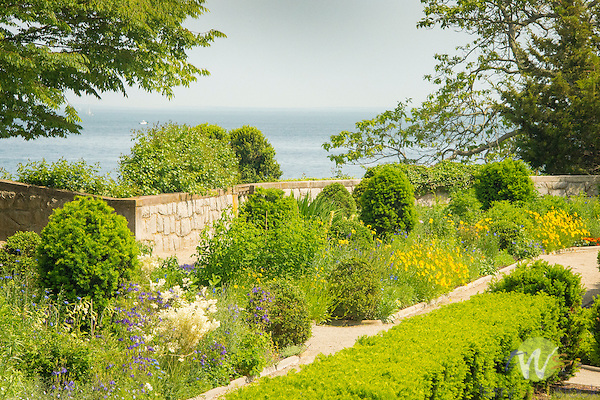 Harkness Memorial State Park. West garden. Long Island Sound.