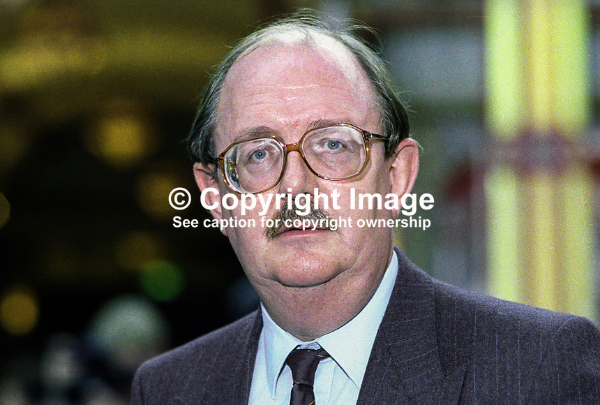 John Edmonds, general secretary, GMBATU, trade unionist, at annual conference, Labour Party, October 1992, UK. 19921010JE.<br />