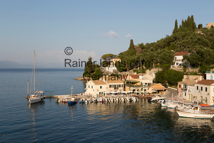 Greece, Ionian Islands, Loggos: harbour   Griechenland, Ionische Inseln, Paxos, Loggos: Hafen