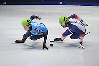 SHORTTRACK: DORDRECHT: Sportboulevard Dordrecht, 23-01-2015, ISU EK Shorttrack, Semen ELISTRATOV (RUS | #61), Thibaut FAUCONNET (FRA | #19), ©foto Martin de Jong