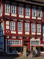 Ratsapotheke am Marktplatz, Einbeck, Niedersachsen, Deutschland, Europa<br /> Rats-pharmacy at market place, Einbeck, Lower Saxony, Germany, Europe