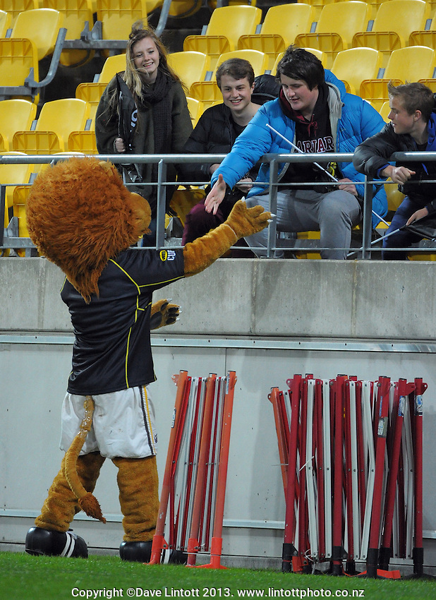 Leo the Lion greets fans during the ITM Cup rugby union match between Wellington Lions and North Harbour at Westpac Stadium, Wellington, New Zealand on Saturday, 28 August 2013. Photo: Dave Lintott / lintottphoto.co.nz