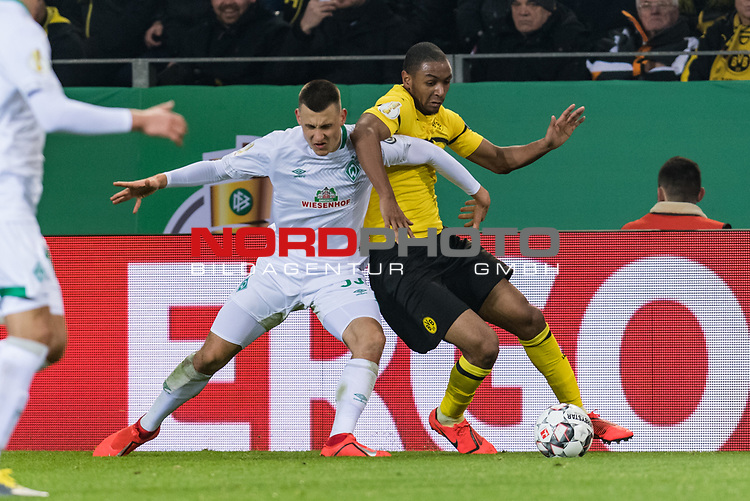 05.02.2019, Signal Iduna Park, Dortmund, GER, DFB-Pokal, Achtelfinale, Borussia Dortmund vs Werder Bremen<br /> <br /> DFB REGULATIONS PROHIBIT ANY USE OF PHOTOGRAPHS AS IMAGE SEQUENCES AND/OR QUASI-VIDEO.<br /> <br /> im Bild / picture shows<br /> Maximilian Eggestein (Werder Bremen #35) im Duell / im Zweikampf mit Abdou Diallo (Dortmund #04), <br /> <br /> Foto © nordphoto / Ewert