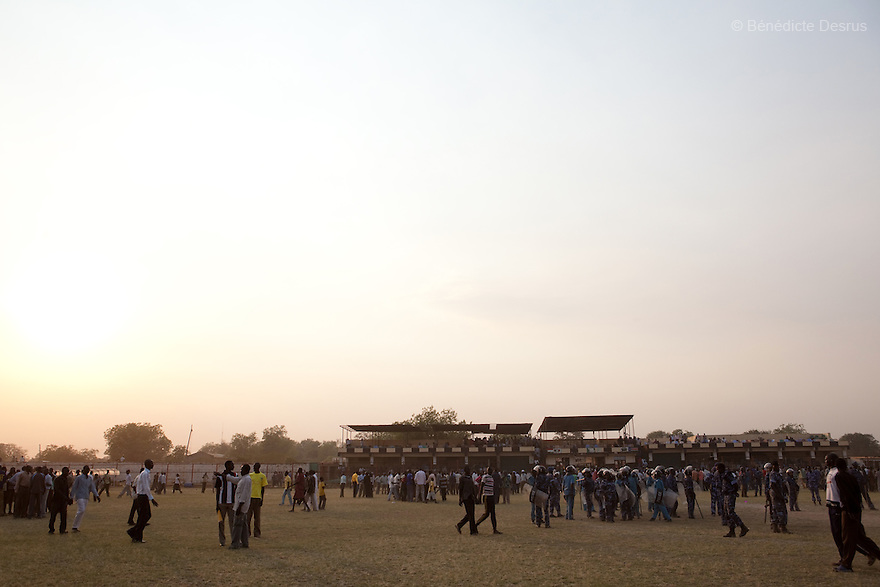 Sunday 5 december 2010 - Juba, Southern Sudan - The Juba Stadium after traditional wrestling matches ended, between Dinka wrestlers from Yirol East of Lake State and Mundari wrestlers from Terekeka County of Central Equatoria State. The matches attracted large numbers of spectators who sang, played drums and danced in support of their favorite wrestlers. The match organizers hoped that the sport would bring together South Sudan's many different tribes.Photo credit: Benedicte Desrus