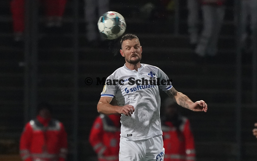 Marcel Heller (SV Darmstadt 98) - 29.10.2019: SV Darmstadt 98 vs. Karlsruher SC, Stadion am Boellenfalltor, 2. Runde DFB-Pokal<br /> DISCLAIMER: <br /> DFL regulations prohibit any use of photographs as image sequences and/or quasi-video.