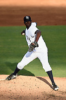 Tampa Yankees pitcher Rafael De Paula (39) delivers a pitch during a game against the Dunedin Blue Jays on June 28, 2014 at George M. Steinbrenner Field in Tampa, Florida.  Tampa defeated Dunedin 5-2.  (Mike Janes/Four Seam Images)