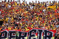 MEDELLIN - COLOMBIA, 26-01-2020: Hinchas del Pereira animan a su equipo durante partido por la fecha 1 de la Liga BetPlay DIMAYOR I 2020 entre Atlético Nacional y Deportivo Pereira jugado en el estadio Atanasio Girardot de la ciudad de Medellín. / Fans of Pereira cheer for their team during match for the date 1 as part of BetPlay DIMAYOR League I 2020 between Atletico Nacional and Deportivo Pereira played at Atanasio Girardot stadium in Medellín city. Photo: VizzorImage / Donaldo Zuluaga / Cont
