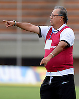 ENVIGADO-COLOMBIA- 23-02-2017.Nestor Otero director técnico del Rionegro FC. Acción de juego entre el Envigado FC y el Rionegro FC durante encuentro  por la fecha 5 de la Liga Aguila I 2017 disputado en el estadio Polideportivo Sur./ Action game between  Envigado FC and Rionegro FC during match for the date 5 of the Aguila League I 2017 played at Polideportivo Sur stadium . Photo:VizzorImage / León Monsalve / Contribuidor