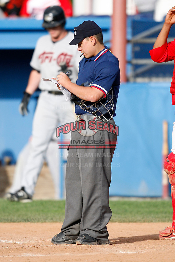 July 18, 2009:  Umpire Chris Nguyen during a NY-Penn League game at Dwyer Stadium in Batavia, NY.  Photo By Mike Janes/Four Seam Images