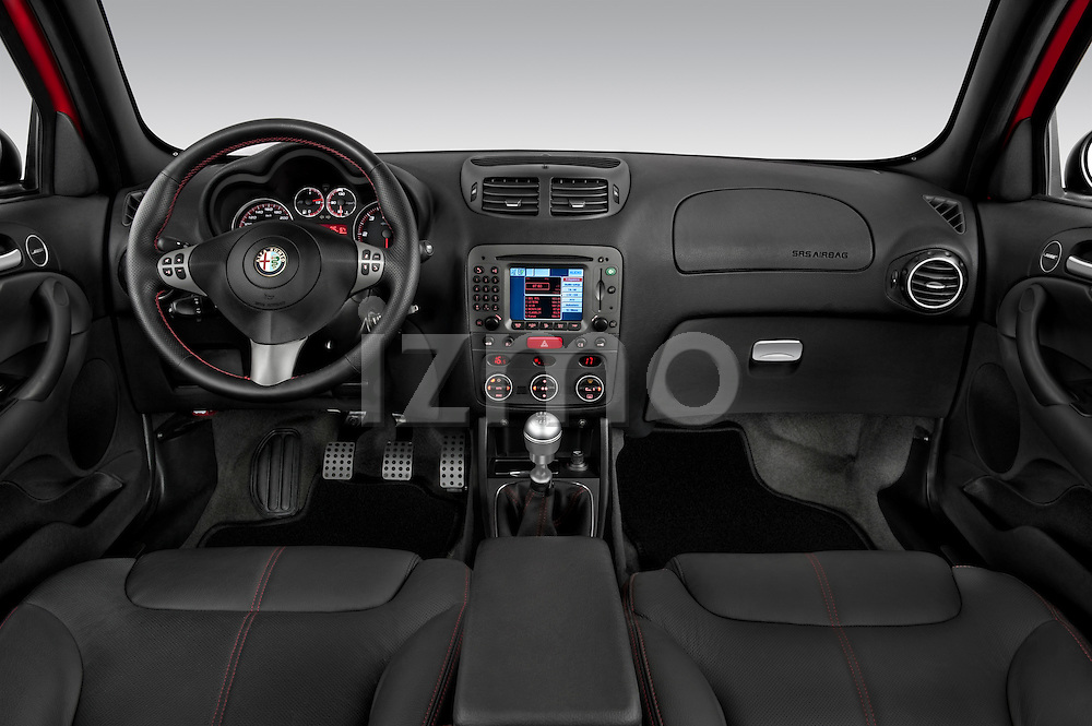 Straight dashboard view of a 2000 - 2010 Alfa Romeo 147 5 Door Ducati Corse Hatchback.